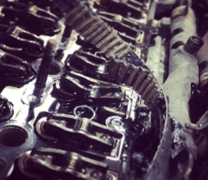 Kada laikas keisti variklio paskirstymo diržą?